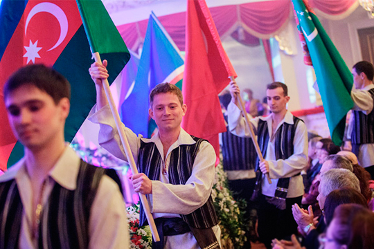 «Мягкая сила» татар: топ-10 самых активных диаспор за границей