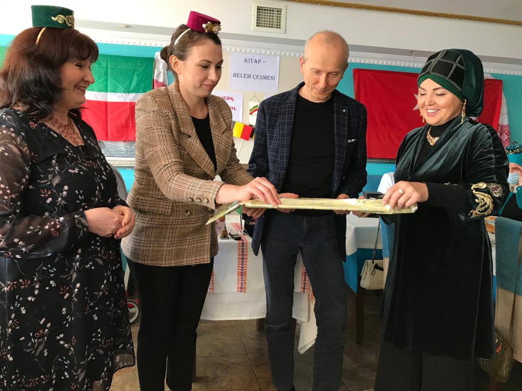 Книга о татарах Бельгии теперь и в Стамбуле
